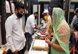 ધનતેરસના પર્વે ઝવેરી બજારોમાં લોકોની ભીડ જામતા વેપારીઓમાં ખુશીની લહેર
